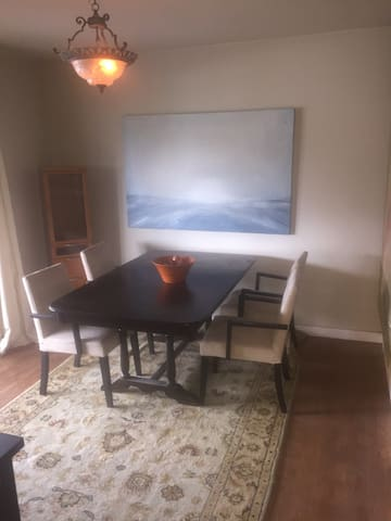 Dining room for four or more