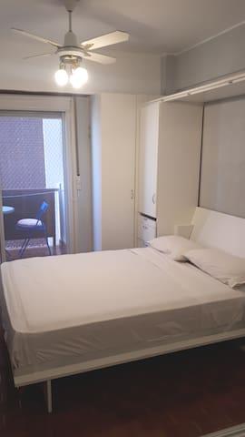 La cama 2 plazas cuenta con un colchón de alta densidad nuevo modelo Cannon Renovation.