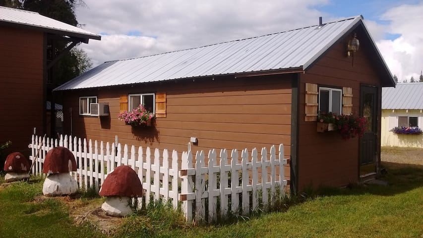 cozy guesthouse - Sandpoint - Cabin