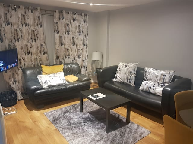BT2 Luxury Serviced Apartments 3