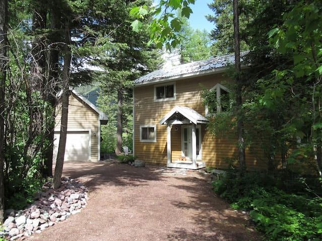 Mountain Home with Hiking and Skiing Galore