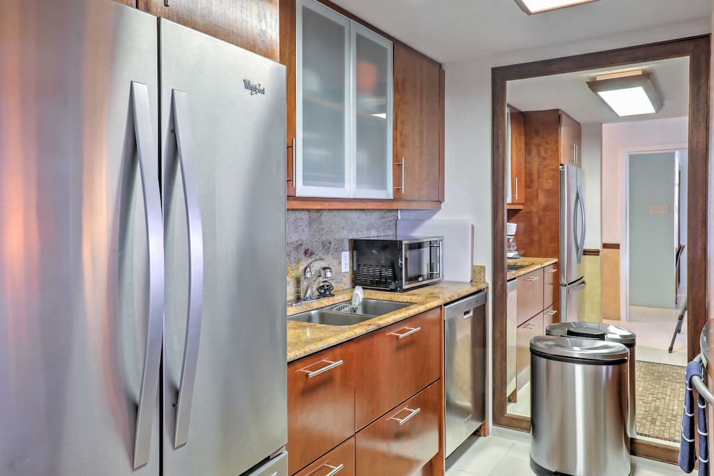 Start each morning off right with a hearty breakfast in this fully equipped kitchen.