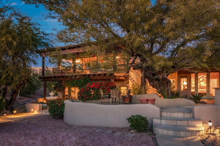 Sanctuary in the desert, 1st Floor Retreat, Pool, Hot Tub, Putting Green & More!