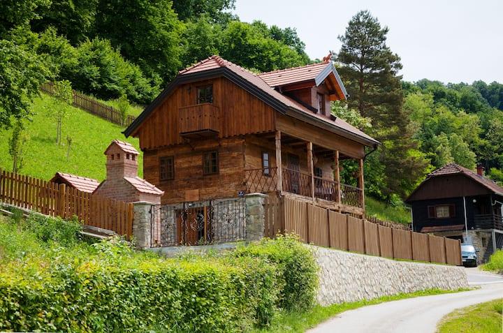 Vila Trnoružica, bajka usred zelenila i tišine
