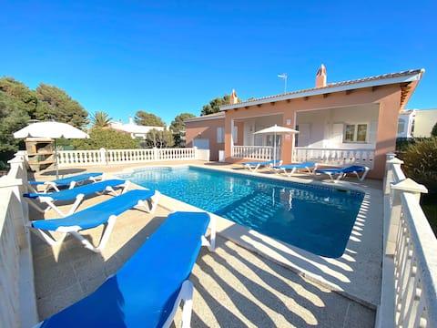 Private Villa mit Pool & auf dem Meer