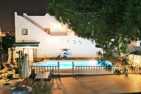 Villa für 7 Pers.,Pool,3 Klimaanlagen,Meerbl. Wifi - San Miguel de Salinas