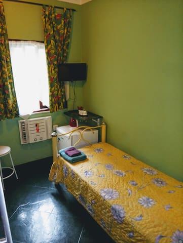 Chez Mireille Chambre Hipoppotame