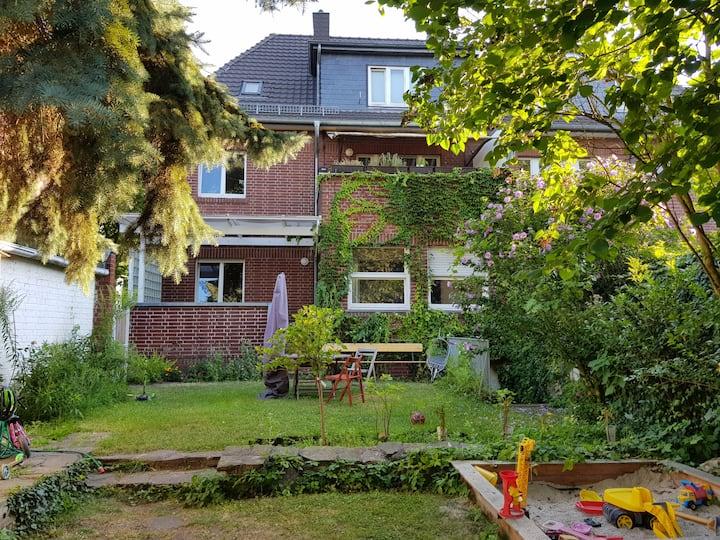 30qm Zimmer mit Gartenblick in  Brühl bei Köln