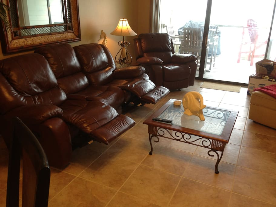 Dual recliners