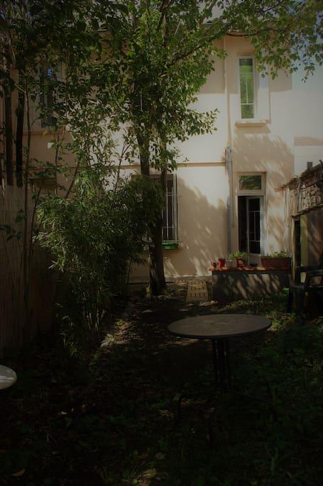Petite maison au calme et arbor e avec jardin maisons louer toulouse occitanie france - Maison a louer avec jardin wasquehal dijon ...
