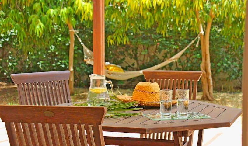 Meneou - Larnaca, Sunset Flamingo Beach House