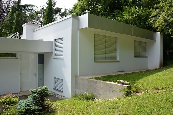 Magnifique villa neuve de 4 pcs, très bien équipée - Corcelles-Cormondrèche - Casa de camp