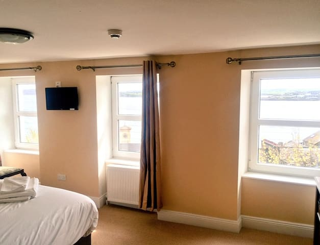 Luxury Sea View Double Bedroom - Cobh - Guesthouse