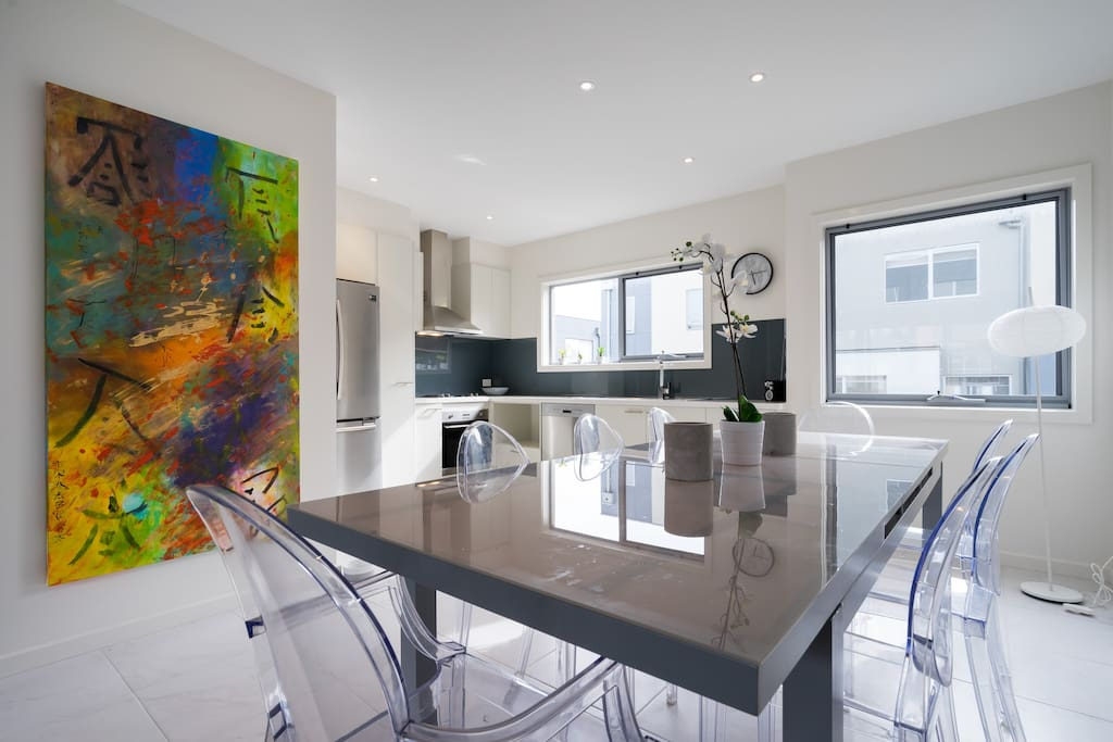 Stunning interior modern with quality furnishings and artwork