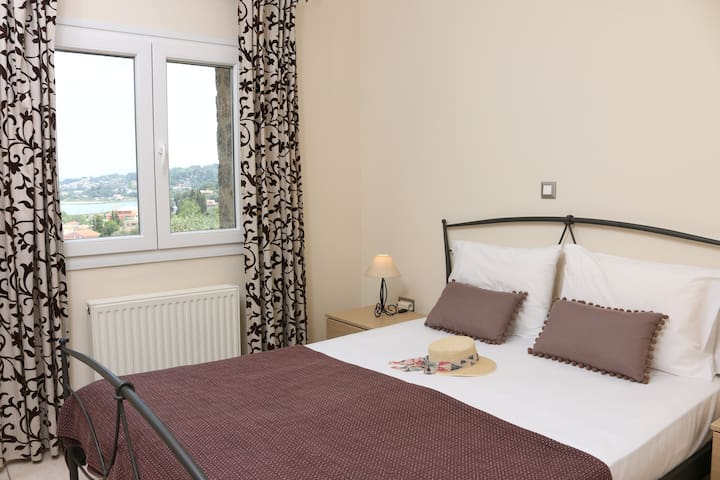That's your bedroom! Unlimited view of the city, the two fortresses and much more!
