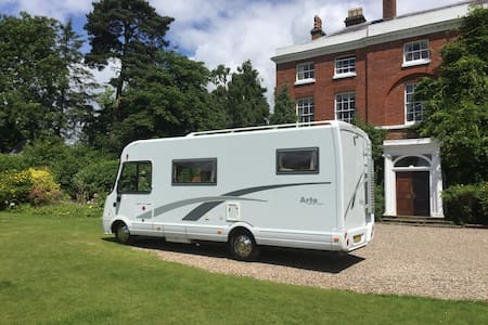 Luxury Motorhome/RV to explore Cornwall  & Devon - Truro