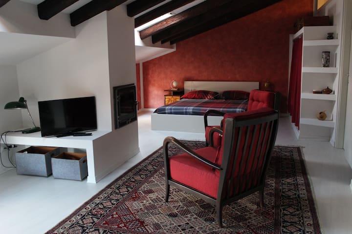 Tema e variazioni: casa Goldberg - Cividale del Friuli - Lejlighed