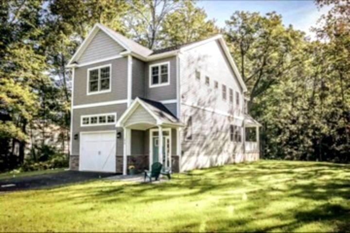 Saratoga Lake: full house
