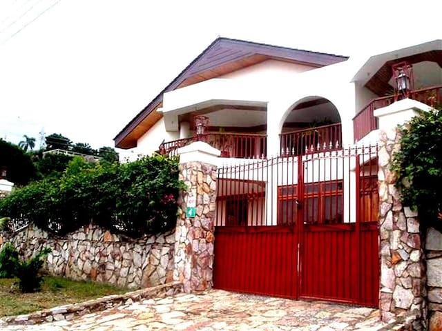 Royal Palm Villa - Mallam - Holiday home