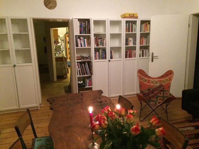 Gemütliches Zimmer in 85-Quadratmeter-Altbau
