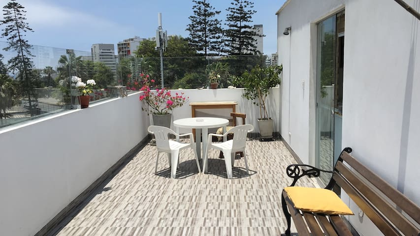 Amplia terraza para parrillas, eventos familiares - Barranco District - Flat