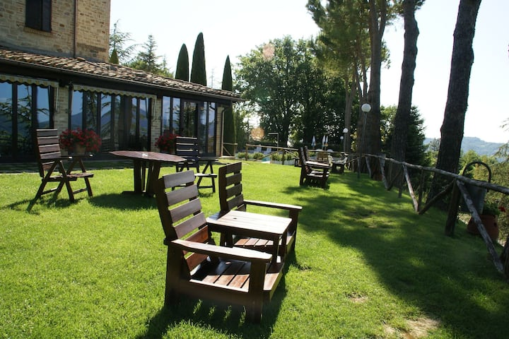 Holiday Home in Montelparo with Pool, Tennis Court & Parking
