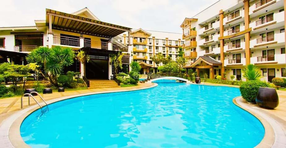 COOLEST 2 Bedrooms condo in Pasig ( Mayfield Park)