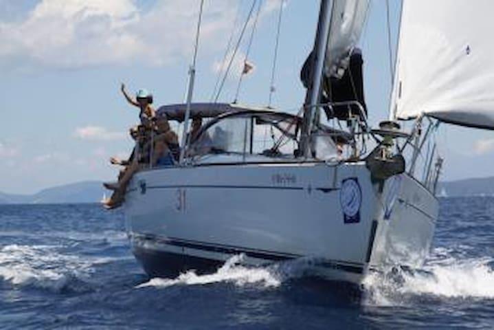 Lloguer de veler amb patró a Palamós