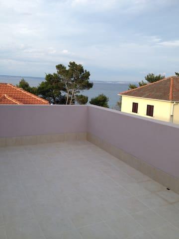 Apartman6( 1bedroom apart. 2+2 pers.) 50m from sea - Ugljan - Daire