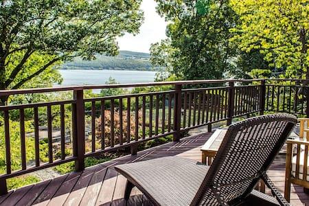 Spacious Modern Finger Lakes Getaway - Watkins Glen