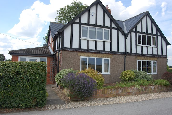 Portington Lodge-ask for off-peak discount 7+ Days