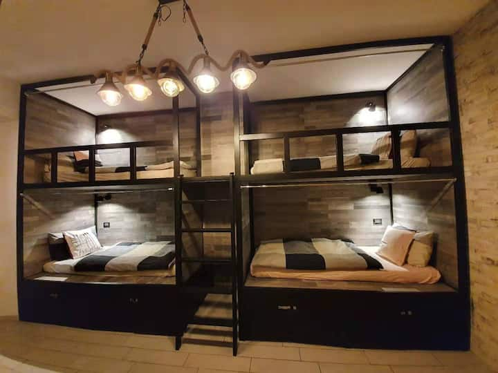 PRIVATE ROOM FOR 4 PEOPLE BESIDE TERMINI STATION