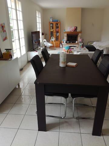 Maison 119m2 Centre-Ville avec Jacuzzi D4