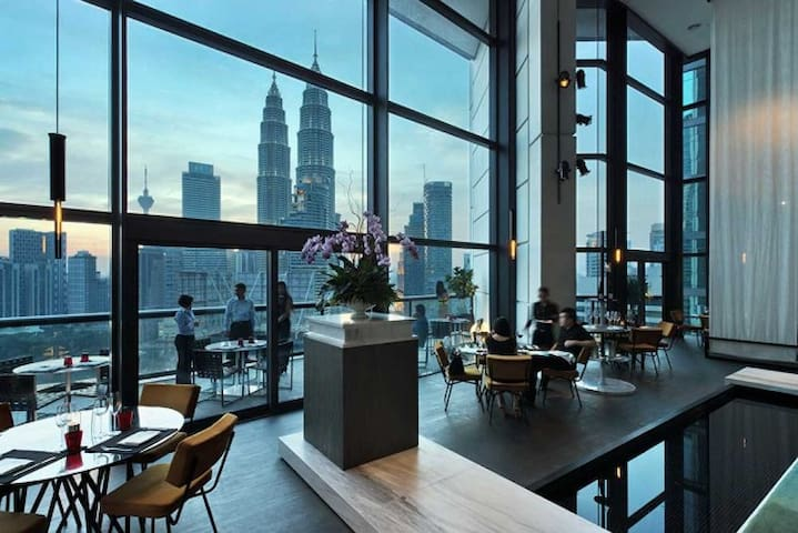 The Troika Exclusive Luxury Apartment KLCC
