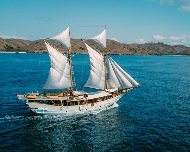Raja Ampat Journey - Aka liveaboard 1 - 10 Person