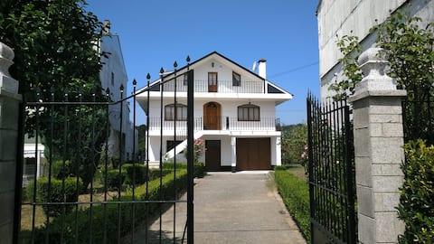 Casa unifamiliar en Guntín a 12min de Lugo