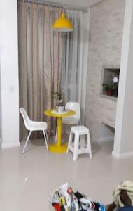 Apartamento finamente mobiliado no centro Camboriú