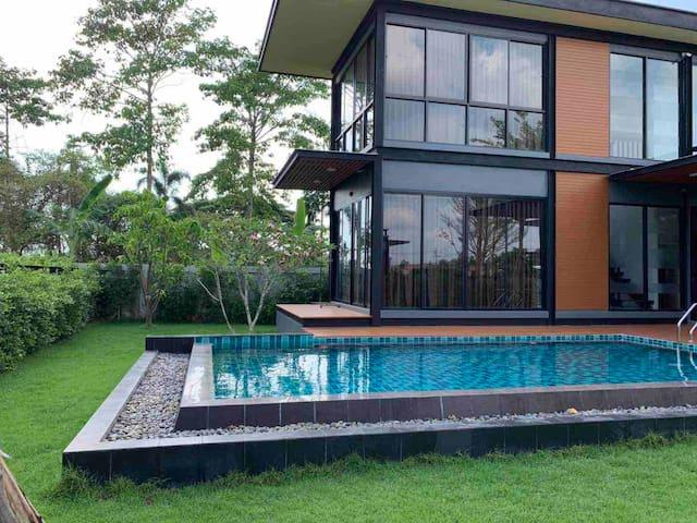 芭提雅yudee pool独栋别墅、七星级享受独立泳池、有露台、可做饭、中文房东