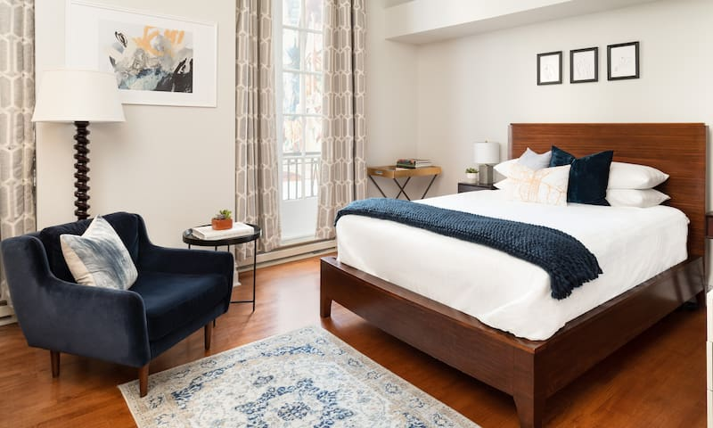 The Independent Hotel, The Spruce Suite