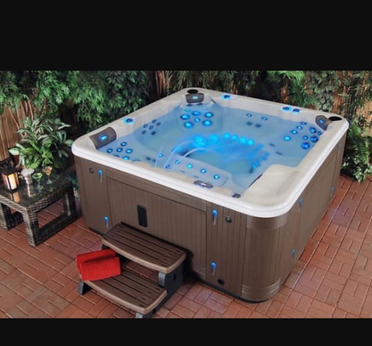 Introducing our new hot tub the evolution 7