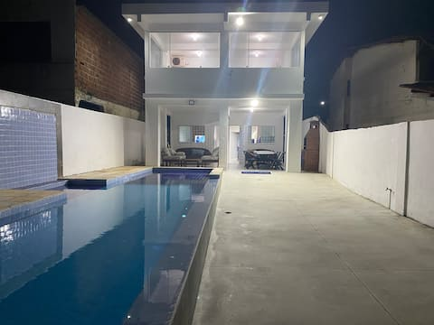 Evin tamamı, plajda yüzme havuzu Enseada dos Corais