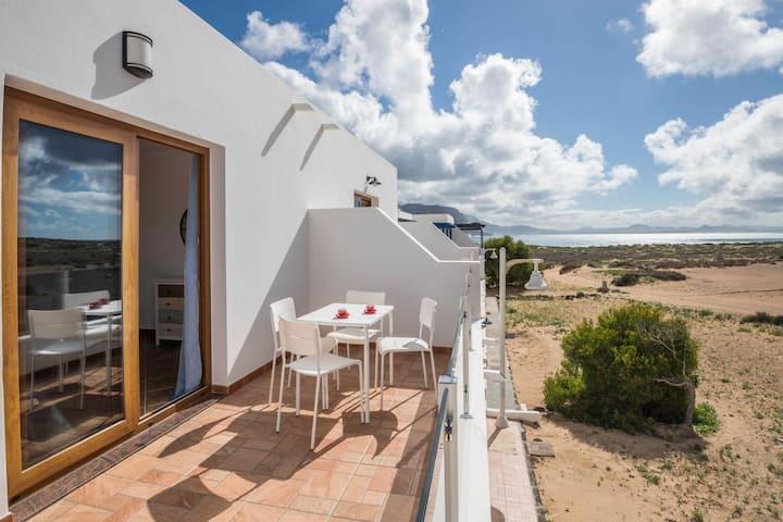 """Cozy """"Apartamento Cuesta del Salado I"""" close to the Beach with Mountain View, Wi-Fi & Terrace"""