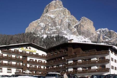 Apartment for 2-4 w/ kitchenette near ski slopes - Corvara In Badia - Teilzeitwohnung