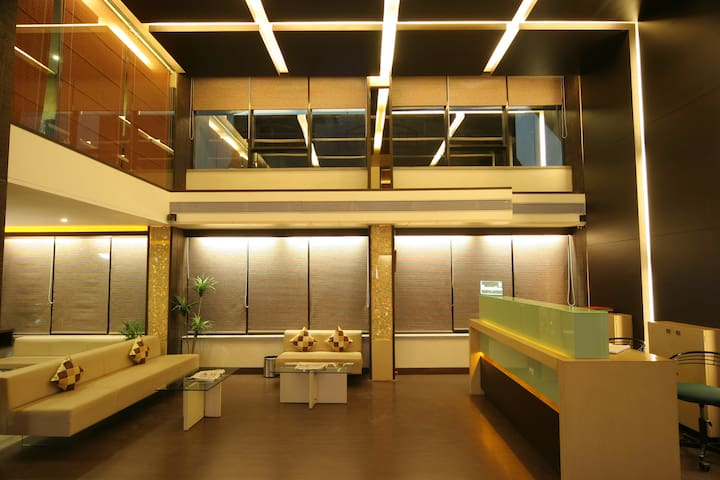 Mango Comfort Hotel Room- Alkapuri, Vadodara