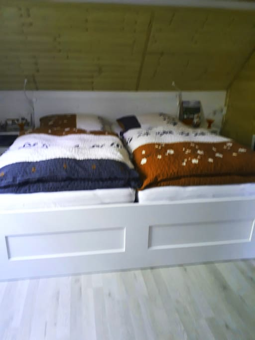 Doppelbett 1.80 x 2 m