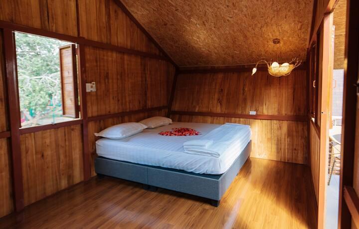 Cuckoo House Nest 2 - Greenfield Farmstay