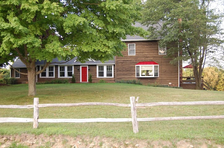 Enjoy Fabulous Views of the Laurel Highlands - Ligonier - Haus