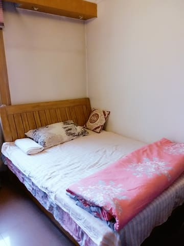 Full equipped Clean and Bright Guest room - Peking