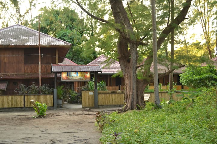 Hoga Dive Inn Wakatobi