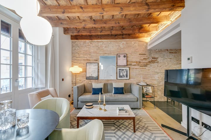 Pier 2 - Corporate apartment in the Gòtic